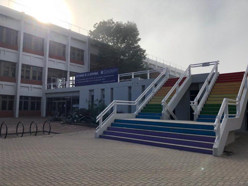 Foto Fachada del Edificio de la FCPOLIT